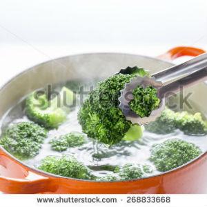 free画像,ブロッコリーボイル,赤い鍋